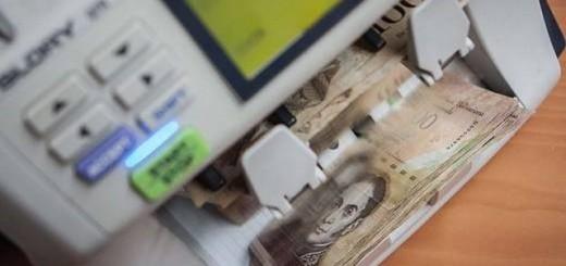 La falta de billetes de alta denominación, de 100 y 50 bolívares, continúa acentuándose