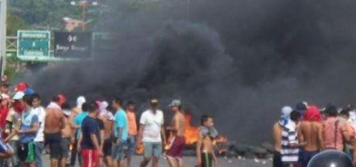 Disturbios en la frontera generaron el cierre temporal del puente Simón Bolívar.