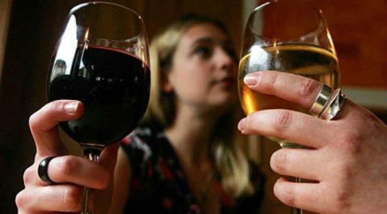 mujeres-alcohol.jpg_1813825294