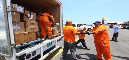Más de 2.000 toneladas de alimentos y rescatistas fueron enviados como ayuda humanitaria a la Isla de Dominica, por el Gobierno venezolano para mitigar los daños causados por la tormenta tropical Erika  Leer más en: http://www.ultimasnoticias.com.ve/noticias/actualidad/politica/venezuela-envio-mas-de-2-000-toneladas-de-ayuda-hu.aspx#ixzz3kGc3I0HE