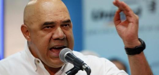 """El secretario ejecutivo de la Mesa de la Unidad Democrática (MUD), Jesús """"Chúo"""" Torrealba."""