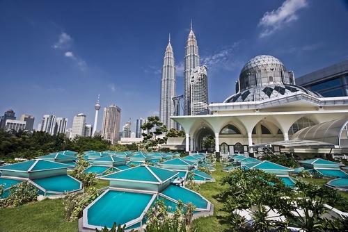 03 de Agosto de 1957. Malasia se independiza del Imperio británico.