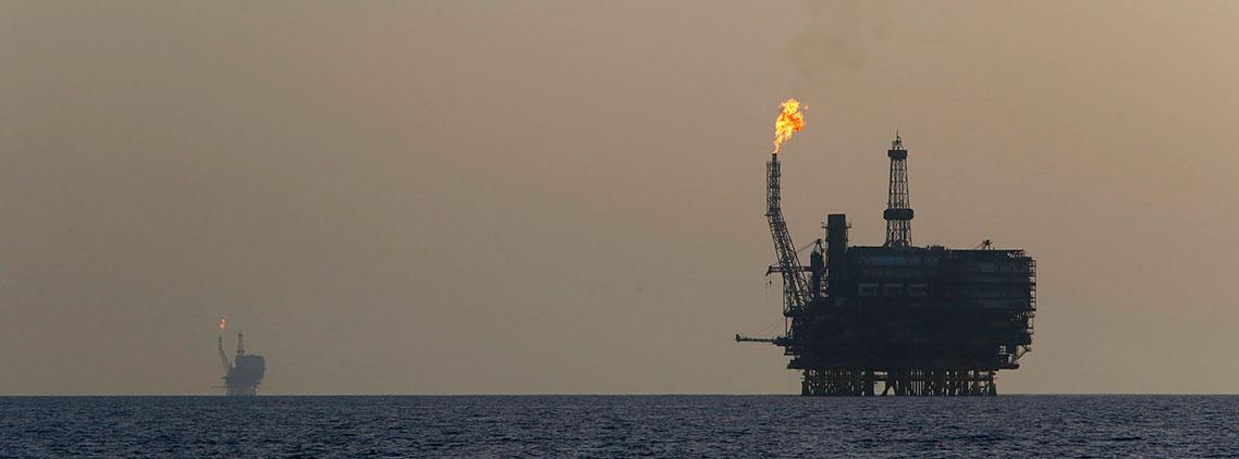 Venezuela envía barriles de petróleo a Petrocaribe