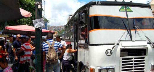 Transportistas aumentan el pasaje urbano |Foto referencial