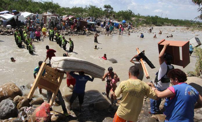 Deportación de colombianos   Foto: EFE