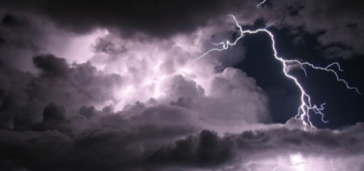 Nubosidad con precipitaciones dispersas, algunas acompañadas de actividad eléctrica