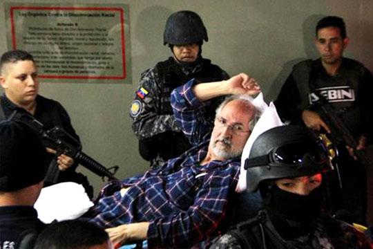 """ñadió que el político tiene ocho meses listo esperando enfrentar """"un juicio injusto del que no han hecho ni audiencia preliminar"""", por lo que exige su libertad plena."""
