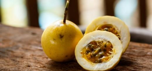 También conocida como la fruta de la pasión o maracuyá