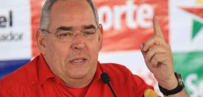El gobernador de Bolívar critica las quejas de sus electores por la escasez y exhorta a no caer en esa tentación.