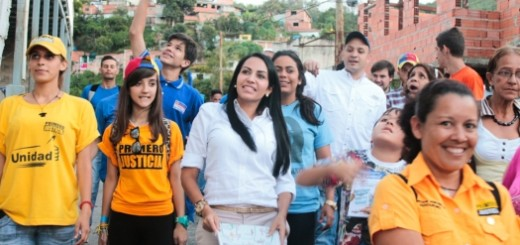 La candidata de la Unidad, Delsa Solórzano, continúa compartiendo con las comunidades de los Altos Mirandinos