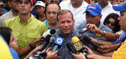 Henrique Capriles acompañó a Juan Pablo Guanipa, candidato de la MUD a la Asamblea Nacional en un recorrido  por comunidades del Zulia