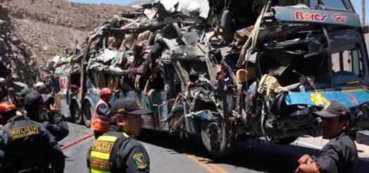 Accidente de autobús deja 5 muertos y 14 heridos en Perú