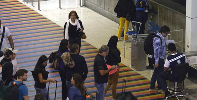 Entre los venezolanos, los jóvenes piensan más en salir del país | Imagen referencial