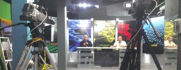 Jazzan fue entrevistado en un programa de opinión del canal televisivo (Telesol) ''Tribuna Principal'' donde le preguntaron que opinaba de la posible visita del papa francisco al país