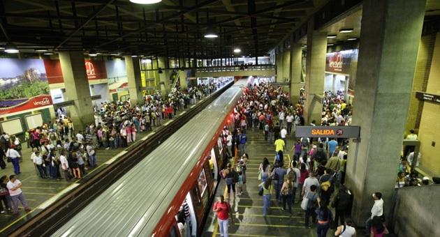 Reportaron atraco masivo en el Metro de Caracas: Desgracias del día a día