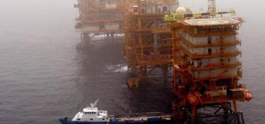 Plataforma petrolera en el golfo Pérsico.