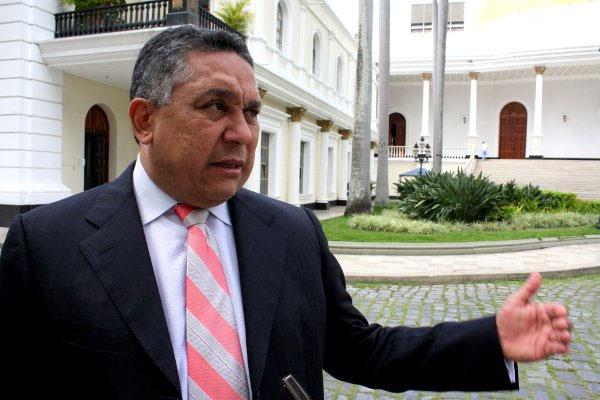 Diputado oficialista, Pedro Carreño