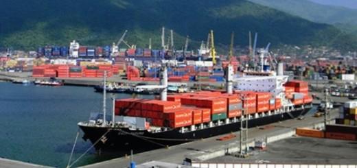 Cargas de alimentos y neumáticos llegaron a Puerto Cabello | Imagen referencial