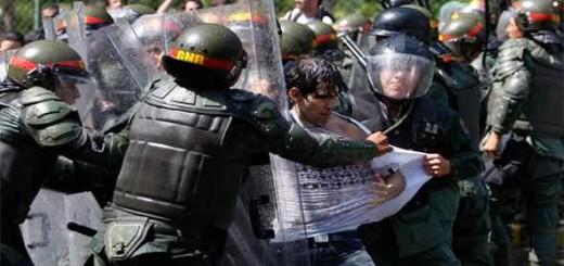 Imagen referencial|Represión en protestas del 2014