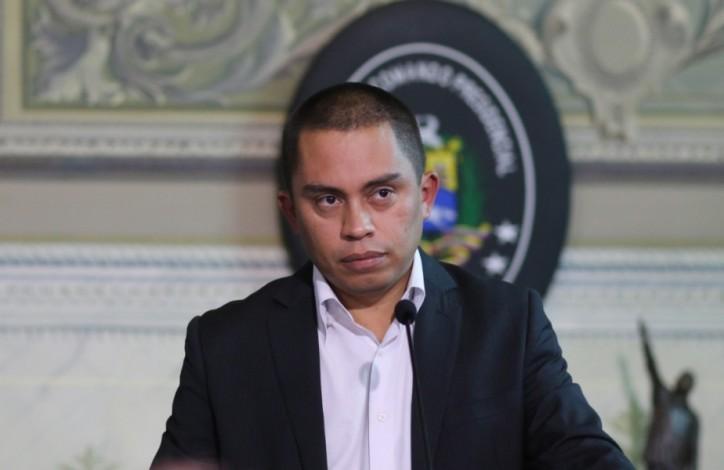 Luis Salas le plantea al Gobierno que deje de pagar las deudas