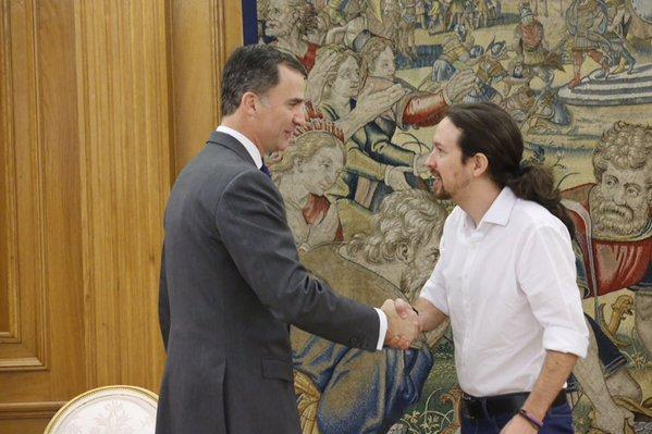 Rey Felipe con Pablo Iglesias