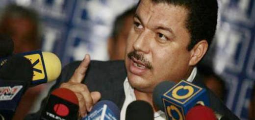 Según Simón Calzadilla, la MUD Discute postergar las elecciones de gobernadores