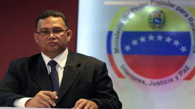 Ministro de Interior, Justicia y Paz, Gustavo González López.
