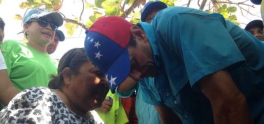 Henrique Capriles Radonsky en su gira promoviendo el revocatorio