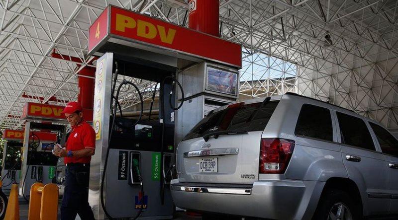 PDVSA refuerza despachos para garantizar la distribución de gasolina | Foto de Referencia