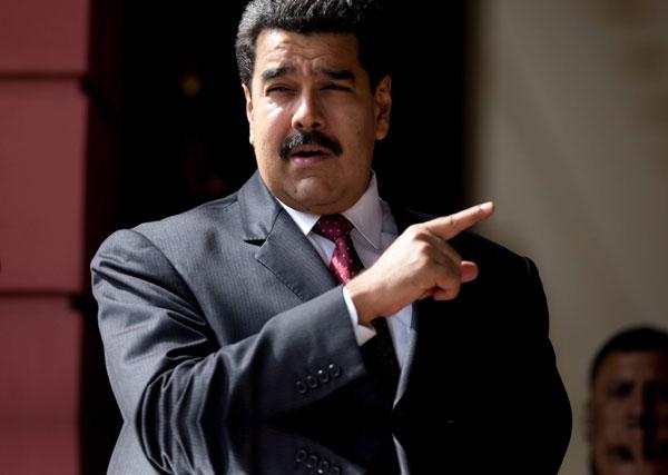 Nicolás Maduro afirma contundentemente que la oposición no tiene la capacidad para manejar el país a lo que a su vez afirma que si la oposición toma el poder habrá hambre, miseria y desabastecimiento.