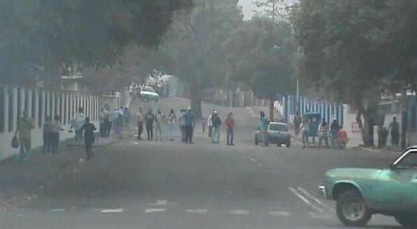 Hay dos policías muertos y un estudiante herido en protesta en Tachira