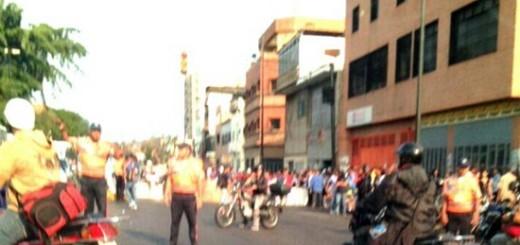 Protestan en la avenida Sucre de Catia | Foto: Twitter