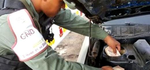 Efectivos de la GNB en Zulia encontraron el dinero en el motor y chasis del vehículo | Foto: Prensa GNB Zulia