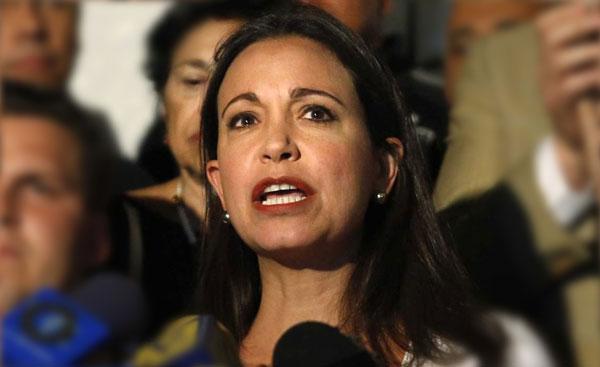 La opositora aseguró que la Asamblea Nacional debe exigir la renuncia del presidente de Venezuela