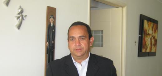 Óscar Pérez, miembro de la MUD exiliado en Perú