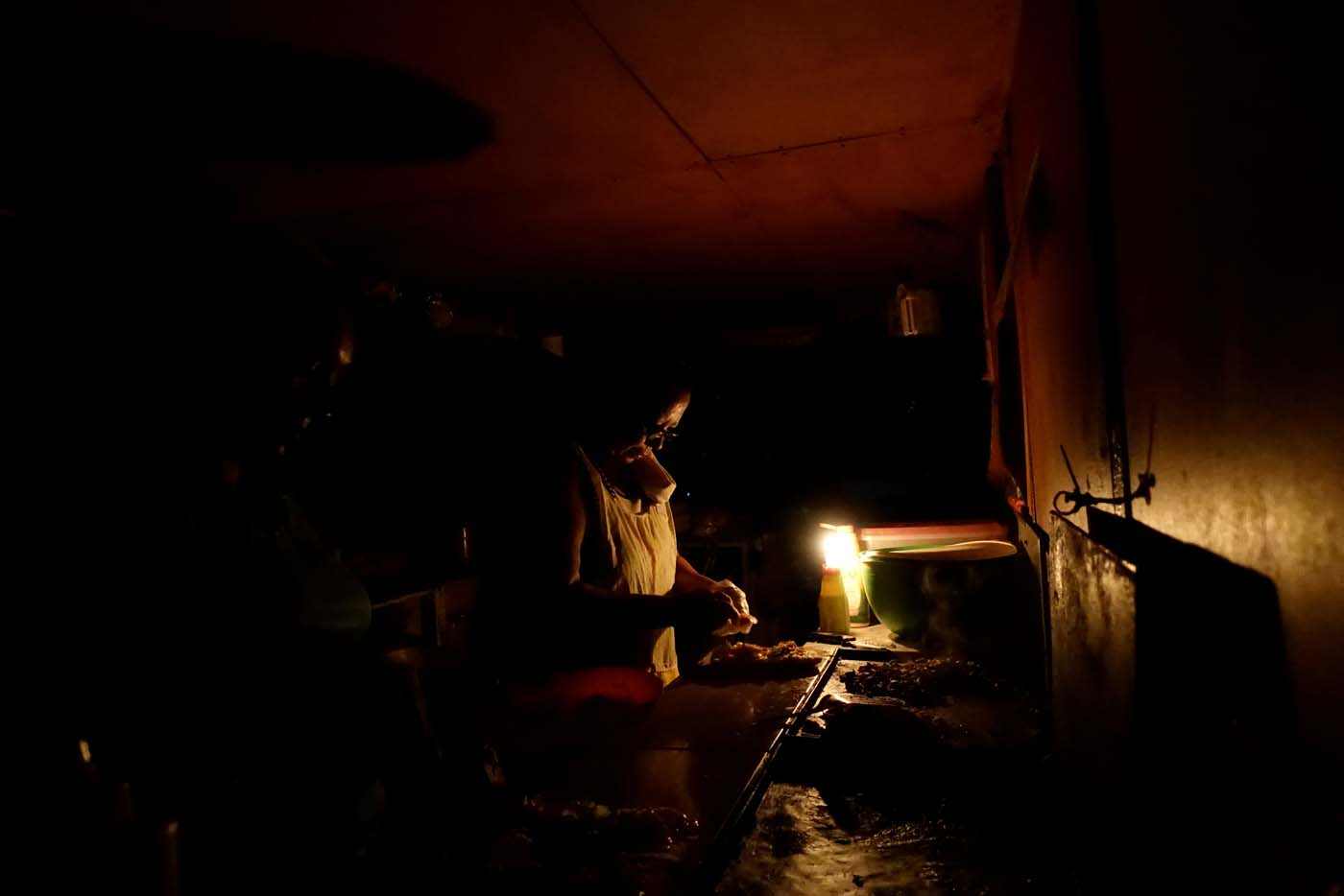 Más de 20 horas sin electricidad en sectores de San Cristóbal | Foto referencial: Reuters