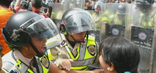 Marcha opositora en la Plaza Libertador