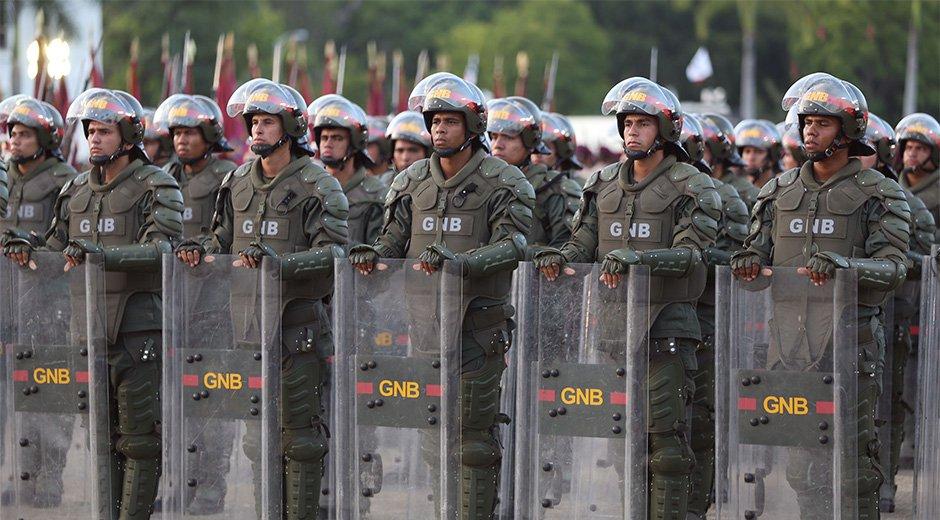 Prohíben a militares llevar uniforme en sitios públicos | Imagen de referencia