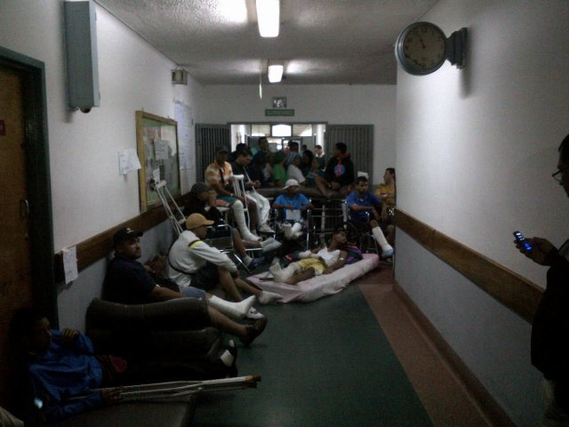 Pacientes protestando en el Hospital Clínico Universitario