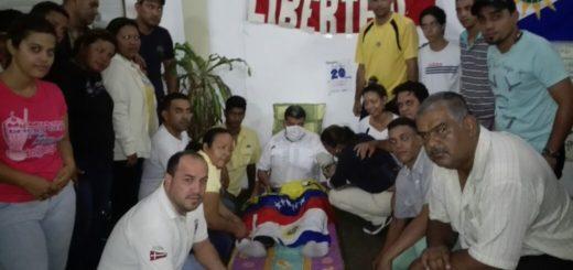 Luis Parra cumple 20 horas de huelga de hambre