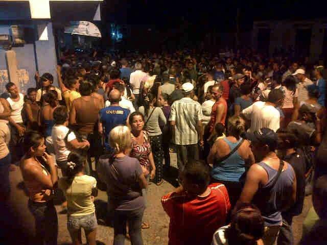 En Trujillo la noche de ayer hubo protestas por falta de comida| Foto: @edugonzalez84
