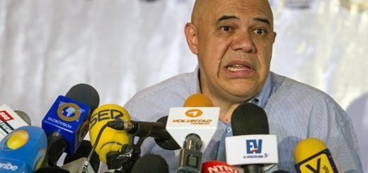 VENEZUELA--Jes-s---8220-Ch-o--8221--Torrealba--La-guerra-de-los-retratos-es-tan-falsa-como-la-guerra-econ-mica-gonzalo-morales