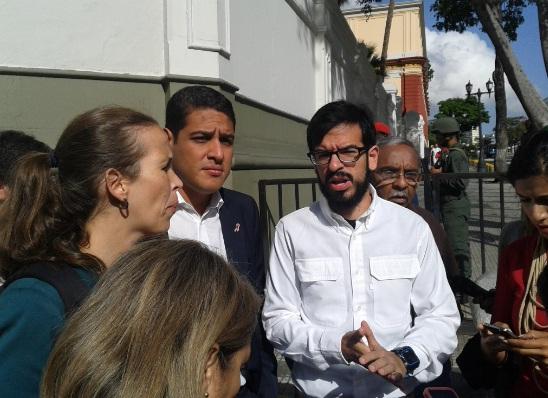 Diputados de la MUD se encuentran en Miraflores