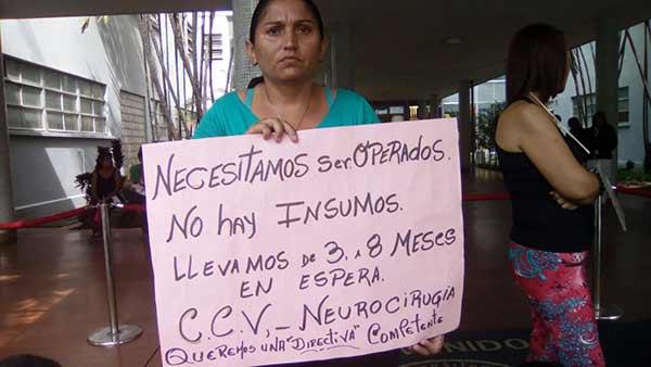 Pacientes del HUC esperan años por una intervención   Foto: Unidad
