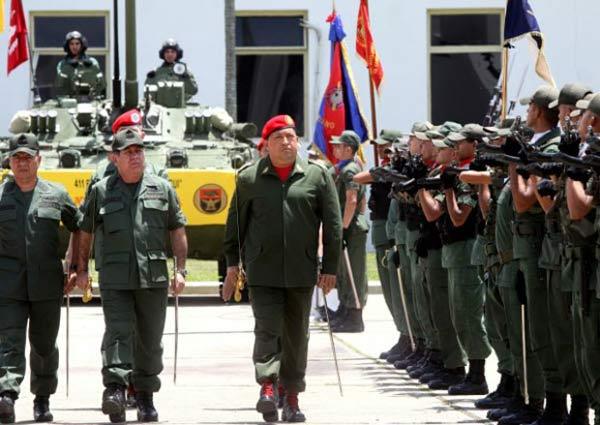 El comandante Chávez es conmemorado hoy por la FANB  Foto referencia