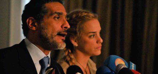 Abogado Juan Carlos Gutiérrez en compañía de la esposa de Leopoldo López, Lilian Tintori |  Foto: @liliantintori