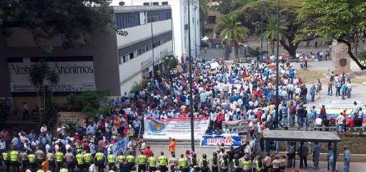 Efectivos de la PNB reprimieron la protesta de los trabajadores de Corpoelec
