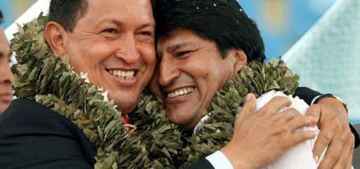 Evo Morales junto a Hugo Chávez | Foto: Aizar Raldes / AFP