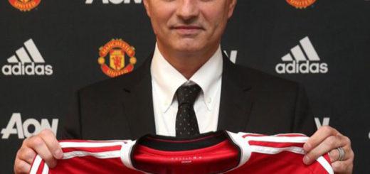 mourinho-poso-por-primera-vez-con-camiseta-del-manchester-united-1464338412255