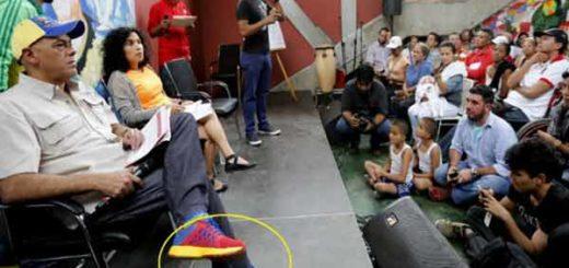 Zapatos de Jorge Rodríguez superan el sueldo mínimo / Foto: Twitter
